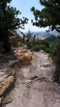 Narrow rock path on Dakota Ridge Trail