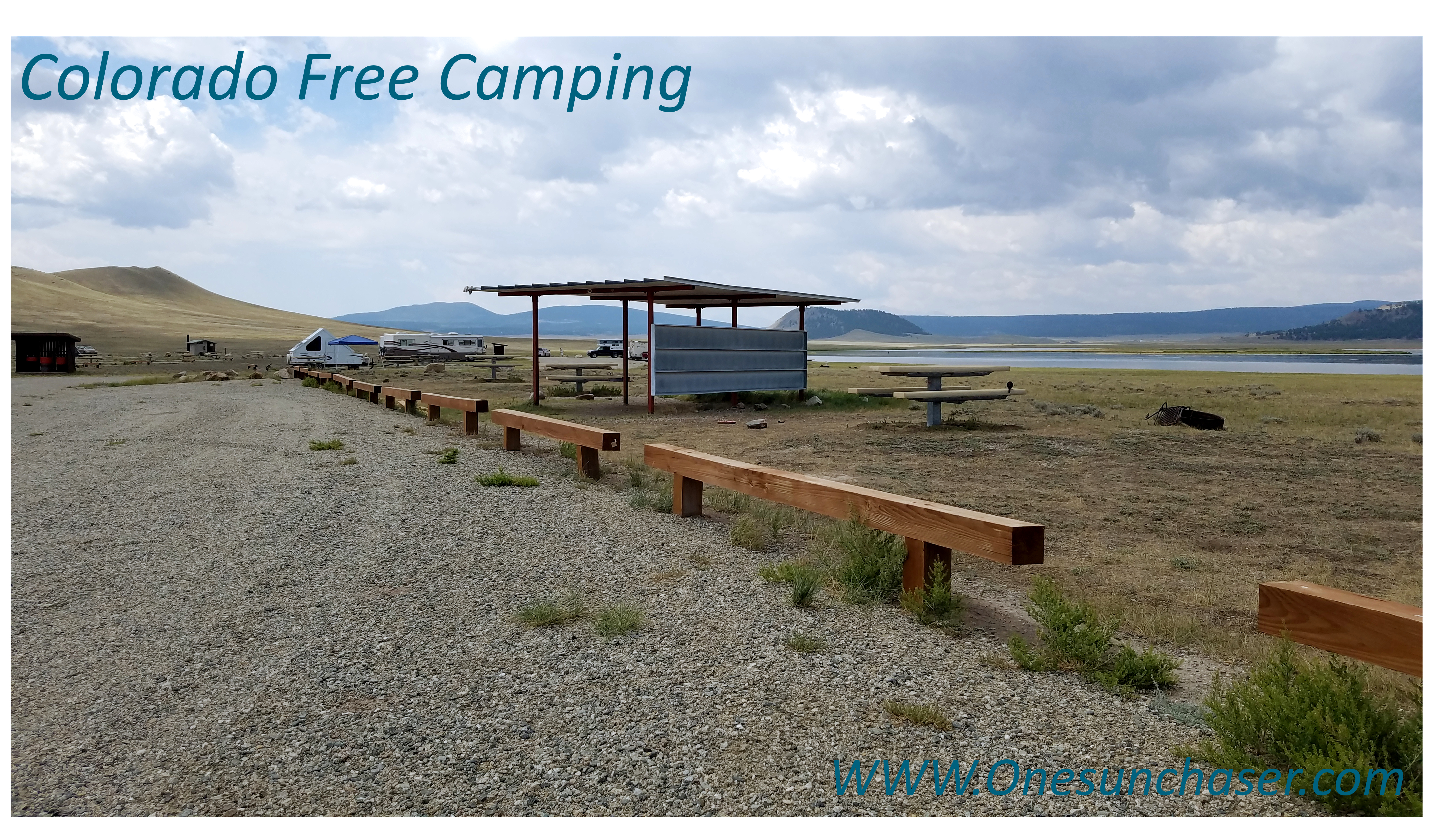 Parking lot and free campsites at Lake Antero free campground