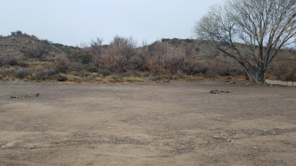 Open primitive camping area at Caballo Lake
