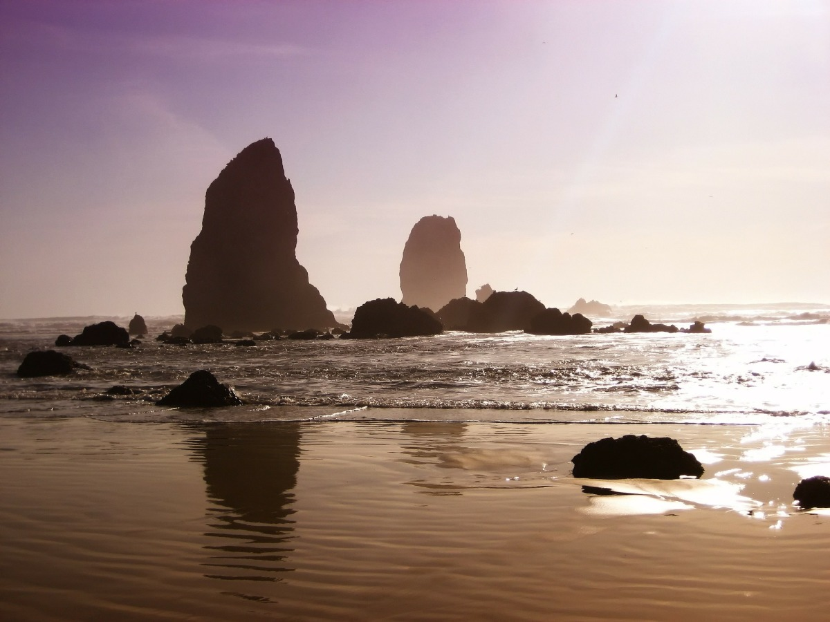 Cannon beach rocks near Free Oregon and Washington Camping