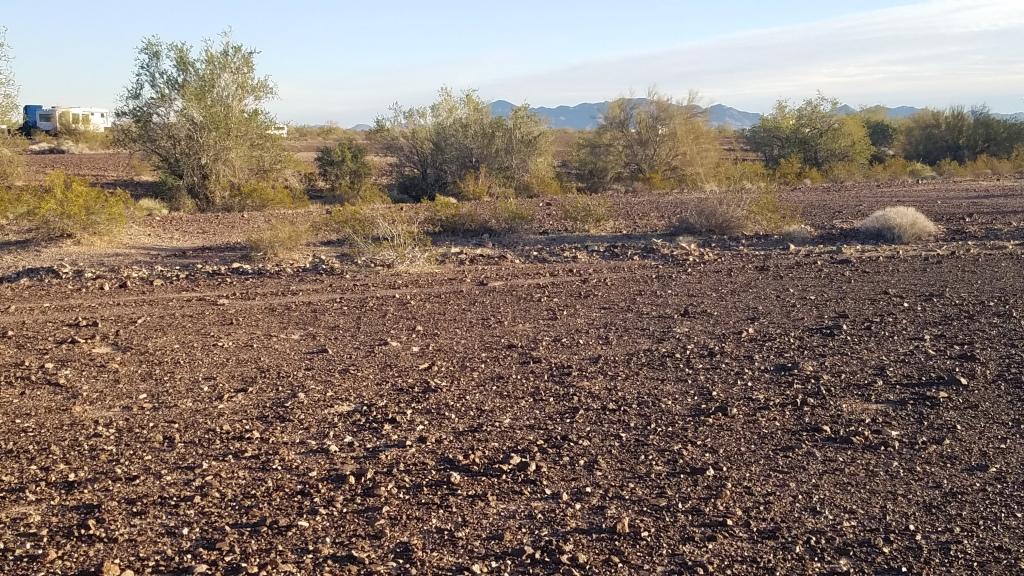 Free desert dispersed camping around Quartzsite